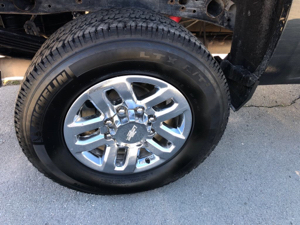 Need Clear Photo of Tire Make and Size
